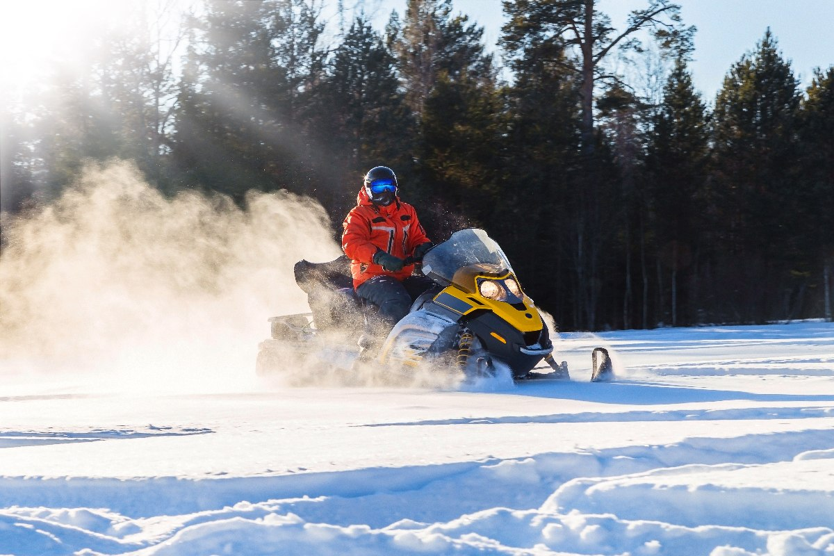 Masterclass how to use a snowmobile
